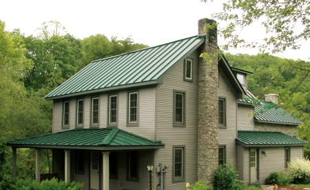 Steel roof vs asphalt shingles